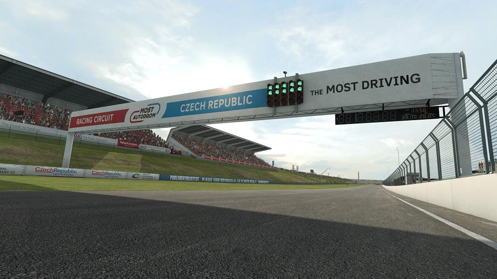 RaceRoom se brzy rozšíří o závodní okruh v Mostu