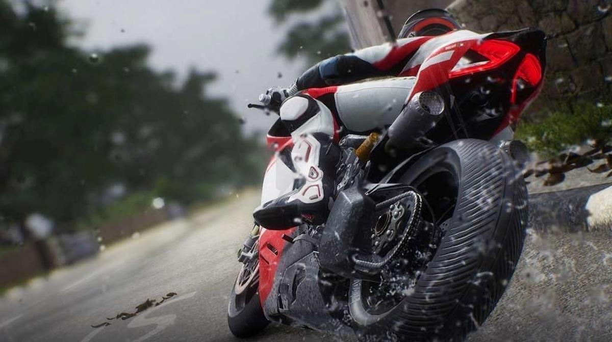 Oznámena závodní motocyklová hra RIDE 4