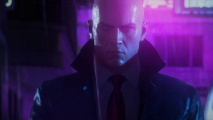 HITMAN 3 nás v novém traileru provede neonovou nocí čínského města